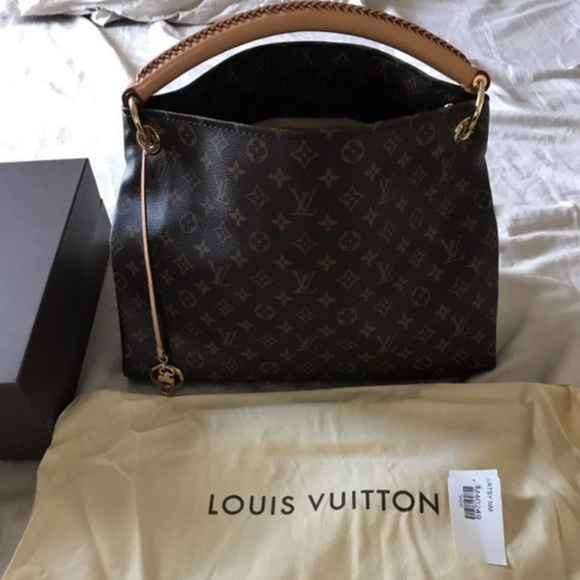 dffc8db1bf1b Louis Vuitton Handbags - Louis Vuitton Artsy MM